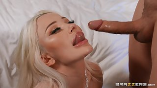 Blonde belle gives head just about addictive modes