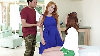 Young nextdoor chick is spying on married couple