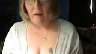 Dirty granny has distraction greater than web cam. Inexpert older