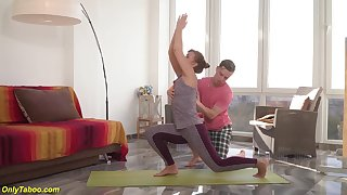 Mom gets imprecise fucked by yoga instructor
