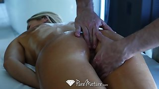 Hard working business woman Audrey Irons needs a full congregation massage with happy ending