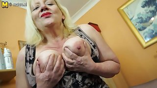 Raunchy British Housewife Playing With Say no to Hairy Off with - MatureNL