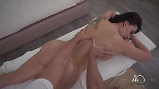 Big-Titted Mama Sucking And Fucks After A Massage